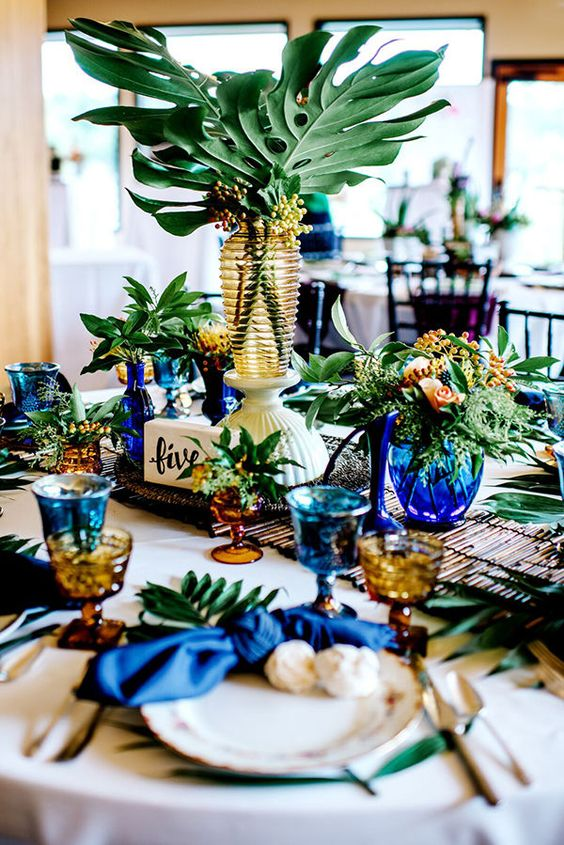 tropical-wedding-table