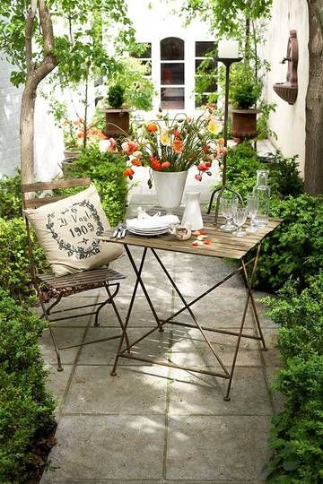 small-patio-seating-area
