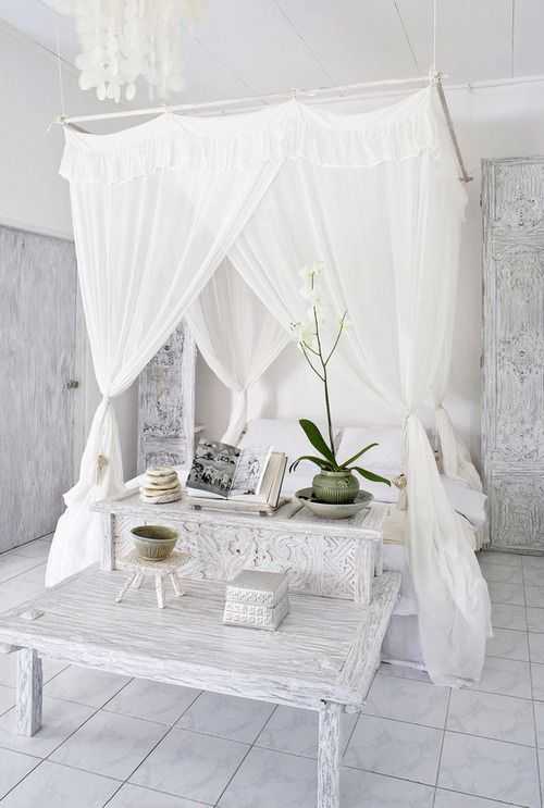 all-white-moroccan-bedroom