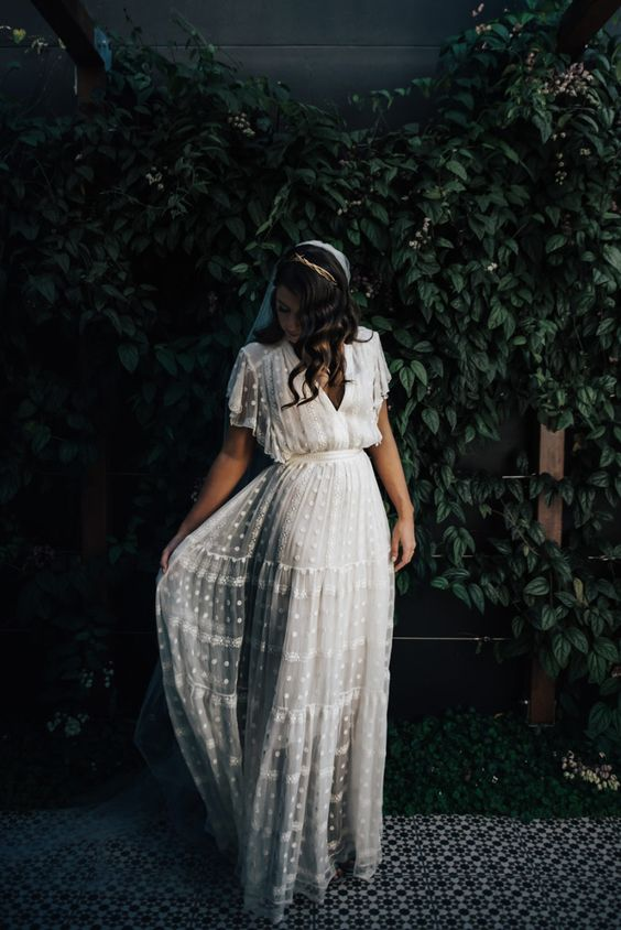 boho-wedding-theme-wedding-dress
