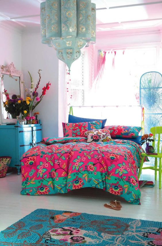 crazy-pink-moroccan-bedroom