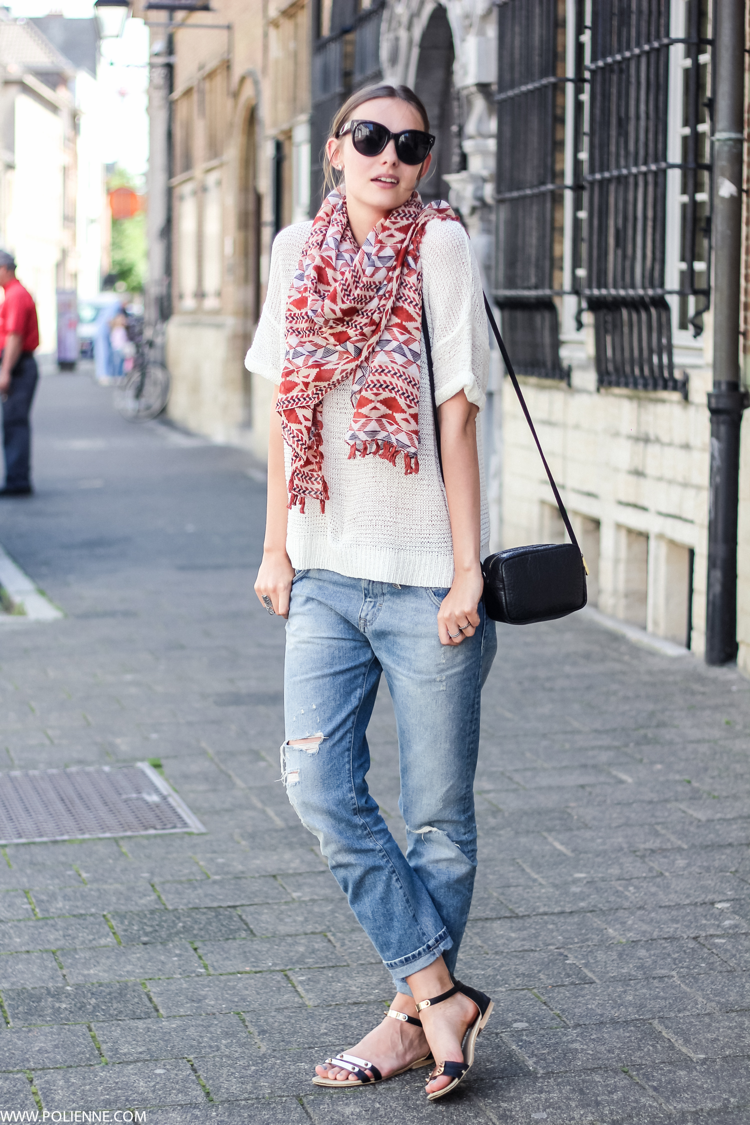 jean-and-t-shirt-outfit-with-scarf
