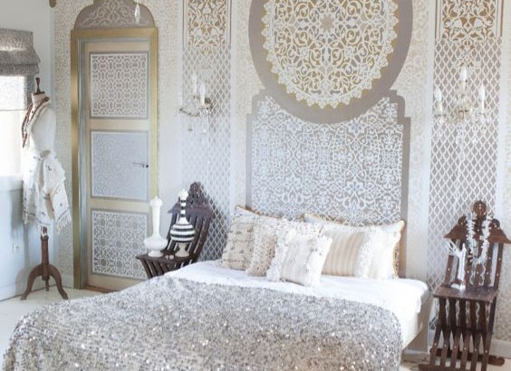 10 idyllic modern moroccan bedrooms for Bedrooms curtains photos