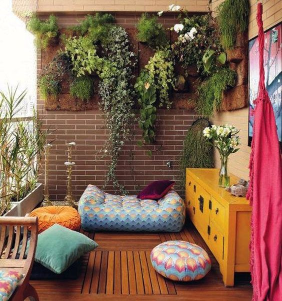 boho-apartment-balcony