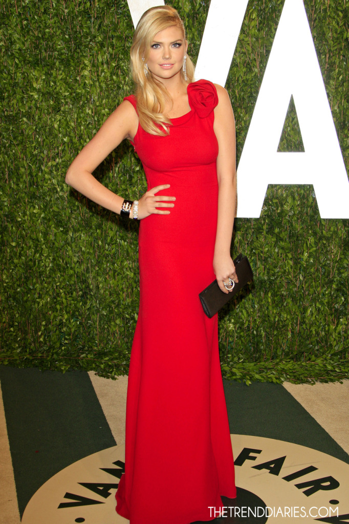 kate-upton-blonde-hair-red-dress