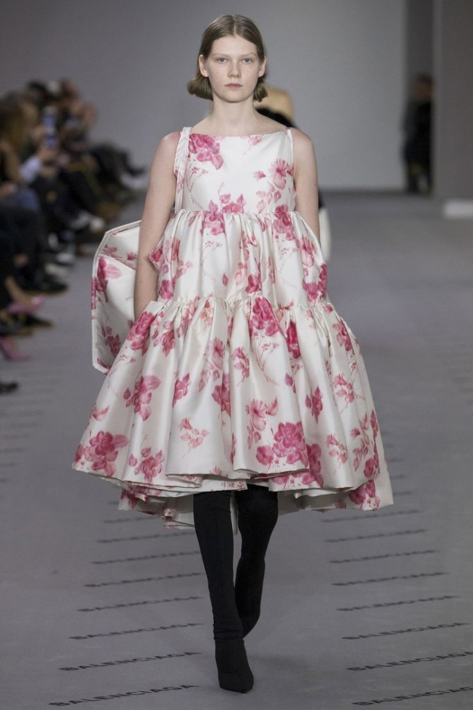 balenciaga-80s-florals-fashion-week-print-trends