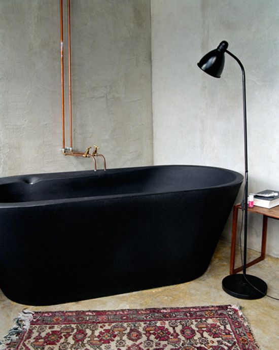 black-bathtub-boho-bathroom