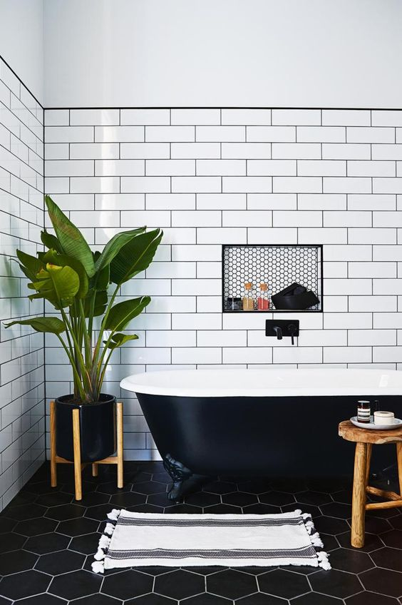 black-bathtub-subway-tiles