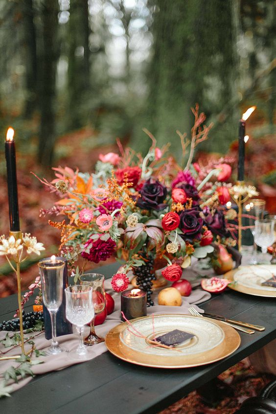 burgundy-rose-gold-fall-wedding