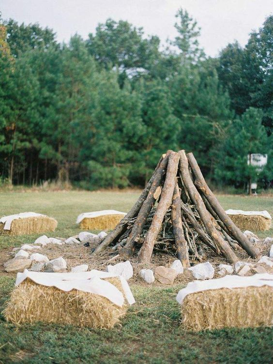 camping-bonfire-theme-fall-wedding