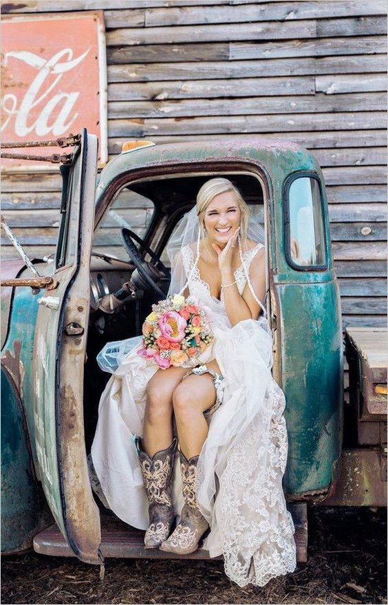 cute-wedding-idea-cowgirl-boots-with-wedding-dress
