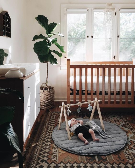 boho-nursery-with-printed-rug