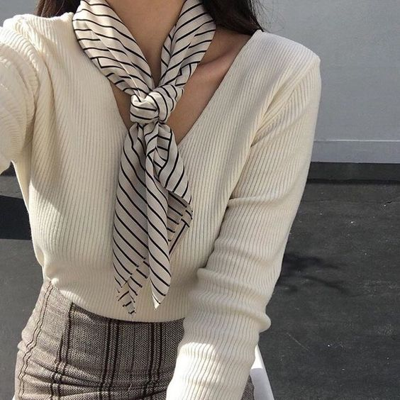 striped-scarf-fall-outfit