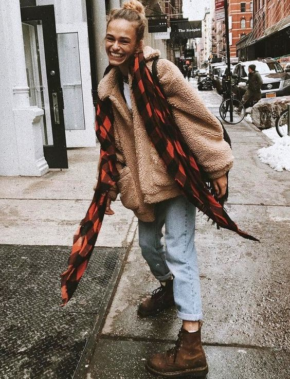 teddy-coat-and-scarf-fall-outfit
