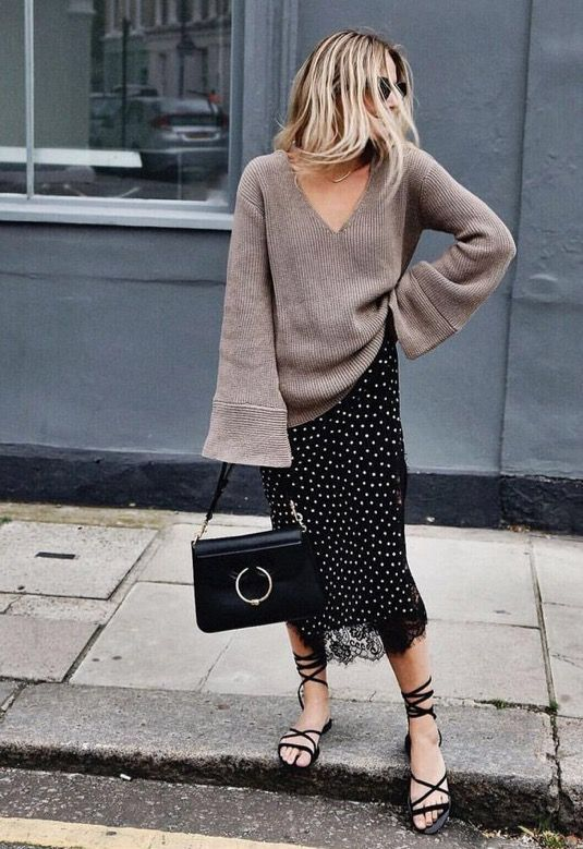 oversized-sweater-midi-skirt-fall-thanksgiving-outfit