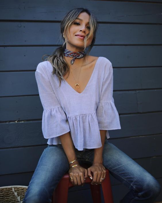 peplum-top-and-jeans-thanksgiving-outfit