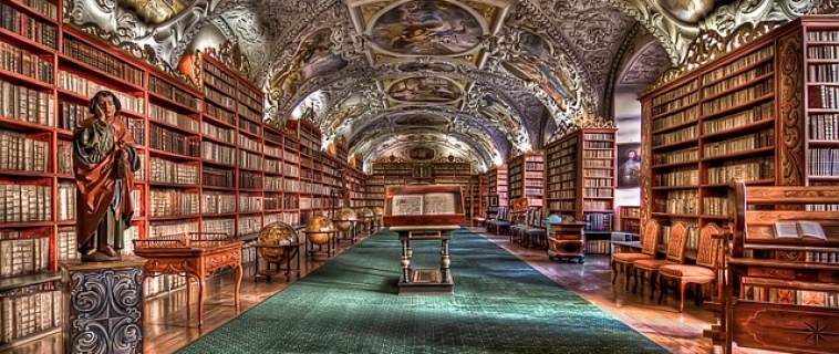 prague-castle-interior-library