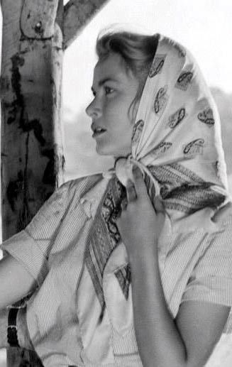 A Decade In Scarf Styles 1950s